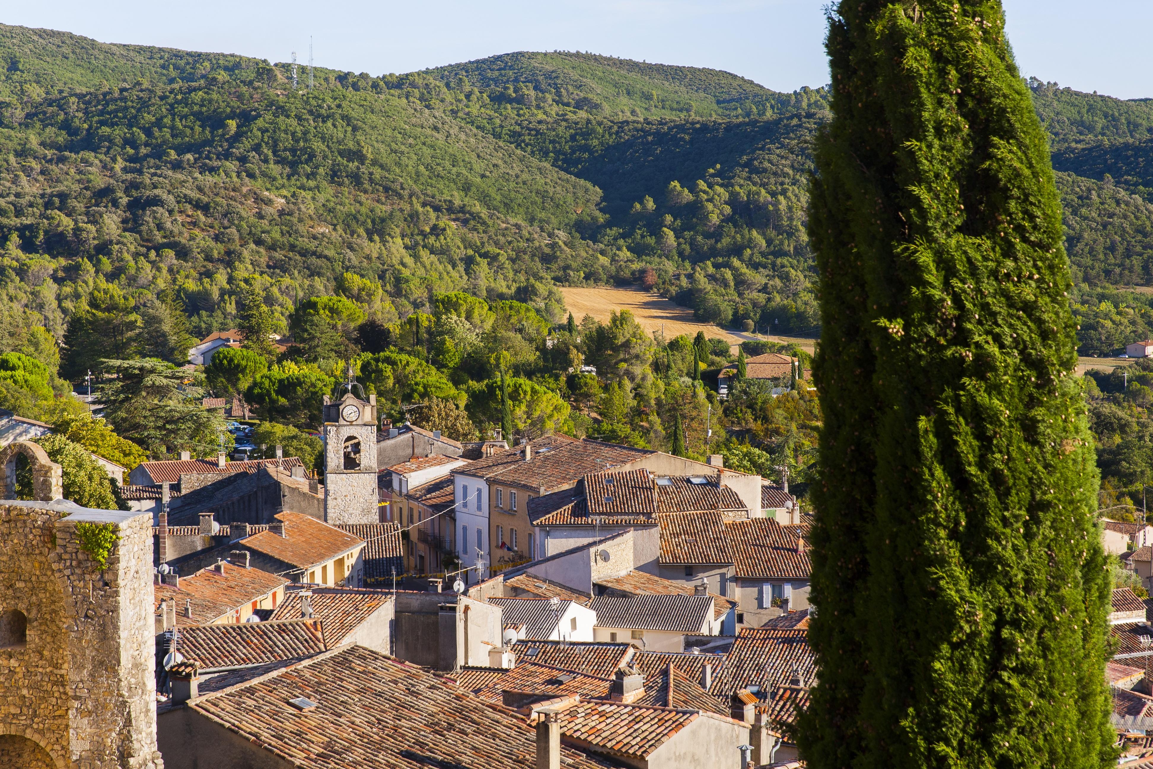 Greoux les bains un paesino di carattere in provenza for Veterinaire salon de provence